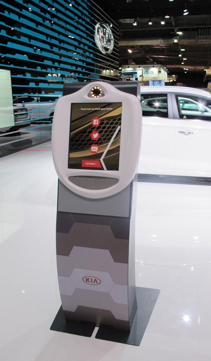 Freestanding VideoKiosk Kia Paris Motorshow 2